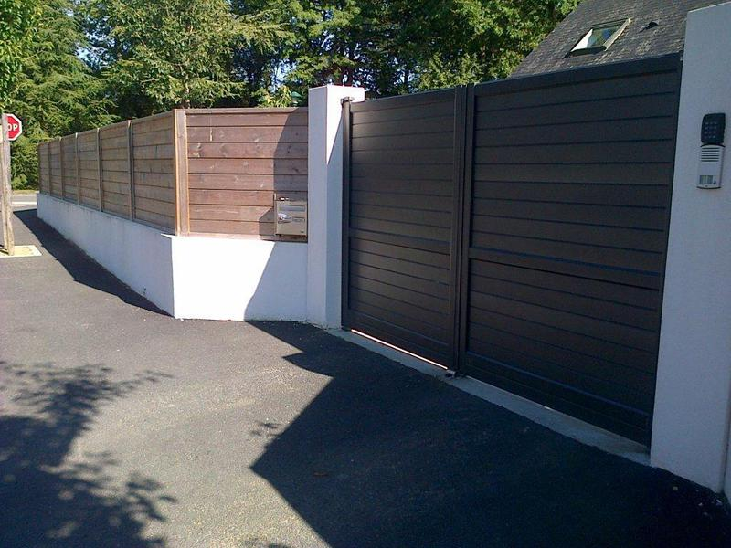 Portail aluminium et cl ture paysagiste nantes - Mur de cloture en bois ...