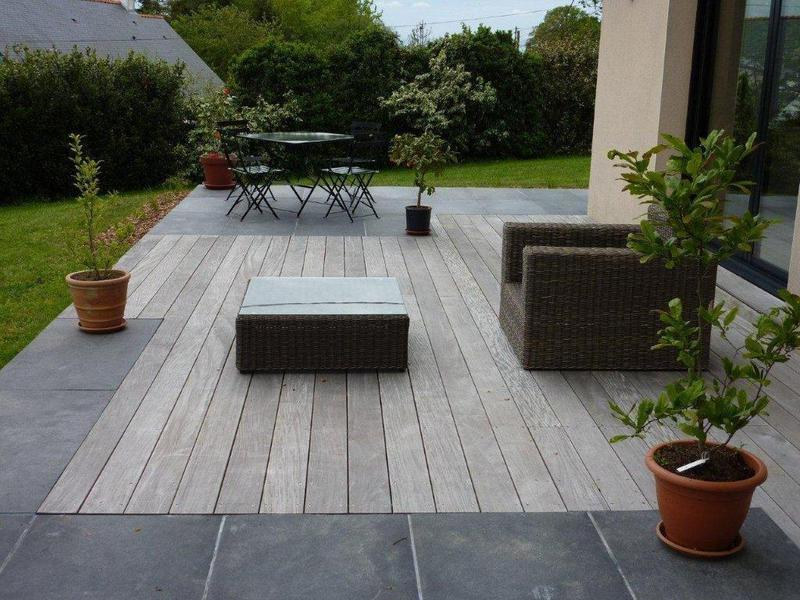 Dallage en pierre et terrasses bois paysagiste sur nantes for Amenagement terrasse sol